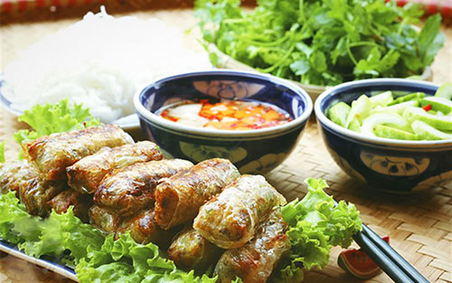 Bun Cha (Vietnamese Grilled Meat Vermicelli) - The best dish to try