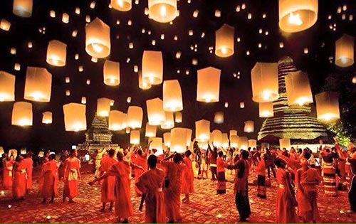 Gorgeous sky lighted by lanterns