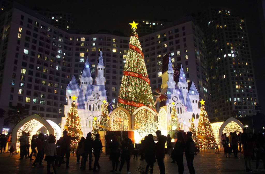 christmas_in_Hanoi-shopping_malls