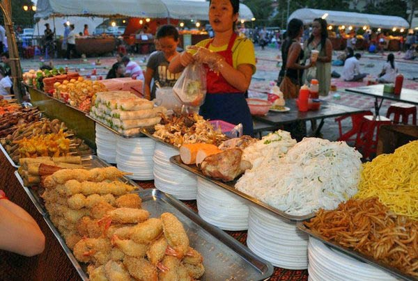 Let's enjoy some Cambodian Street Food