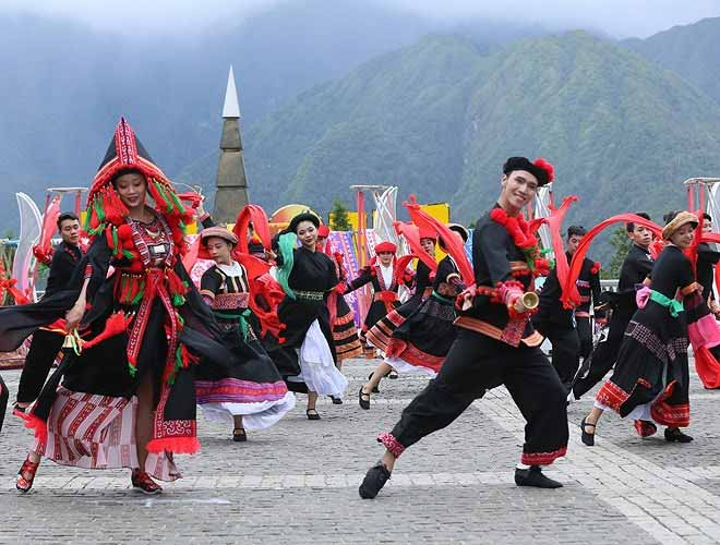 The Dao ethnic people perform an array of traditional dances