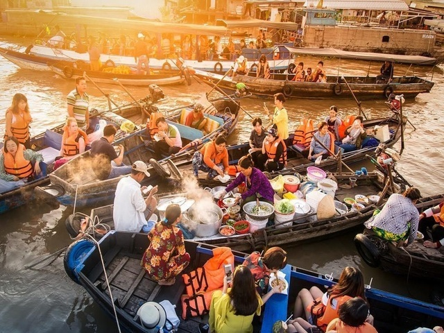 Navigate Top 6 Floating Markets Can't be Lack In Mekong Delta Tour