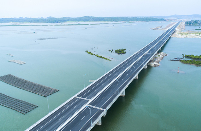 A new expressway from Hai Phong to Halong saving time to travel to Halong