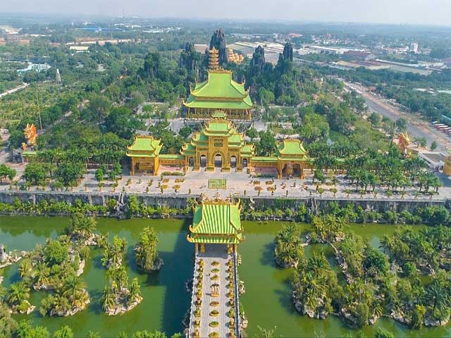 Full Day To Dai Nam Theme Park