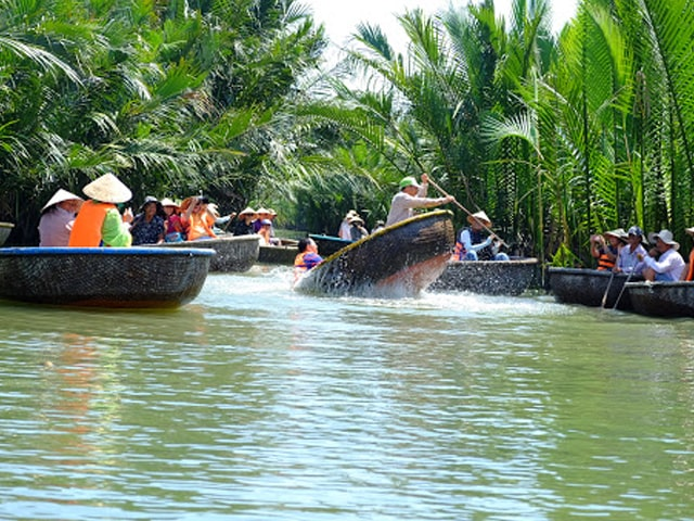BOAT TRIP TO VILLAGES IN HOI AN