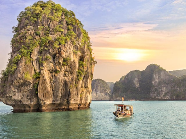3-DAY HALONG BAY CRUISE