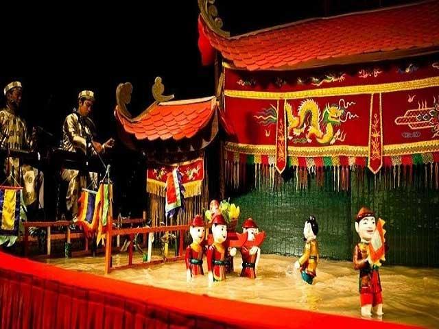 HO CHI MINH CITY - CU CHI TUNNELS - MEKONG DELTA