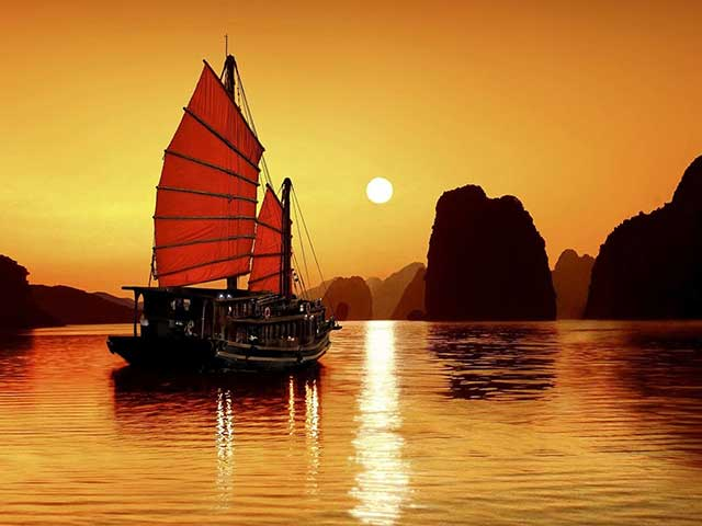 Overnight Cruise In Ha Long Bay
