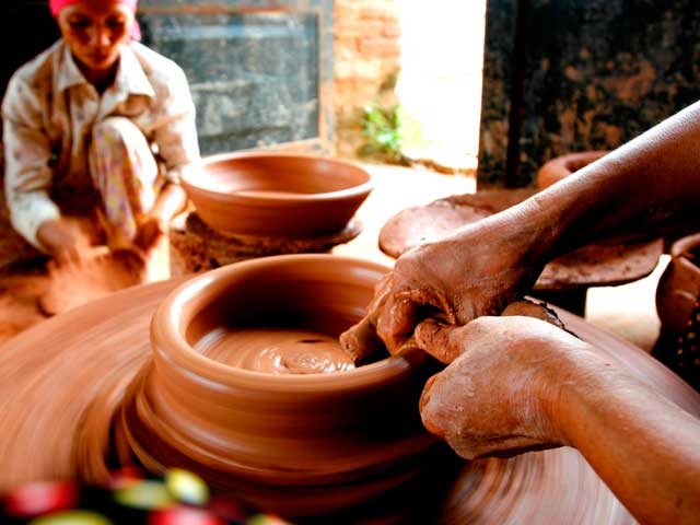 Bat Trang Pottery Village Day Tour