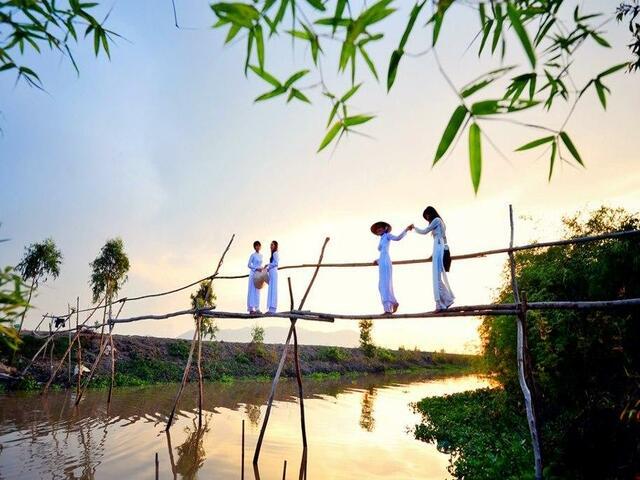 Saigon - Cu Chi - Mekong Delta 4 days