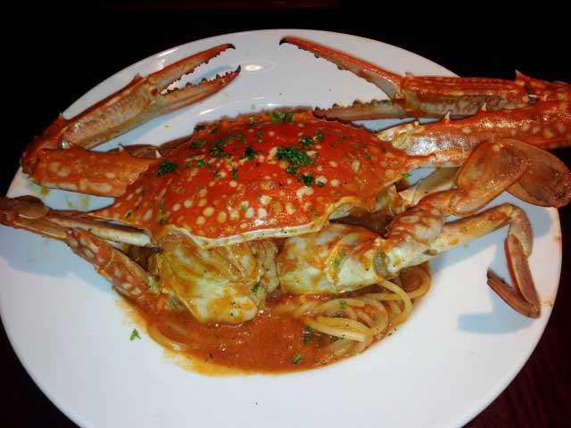 Cruise Dining On Saigon River