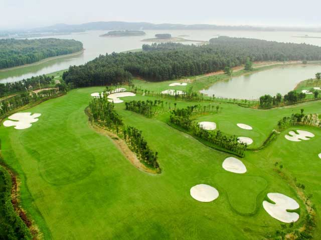 Vietnam golf expedition
