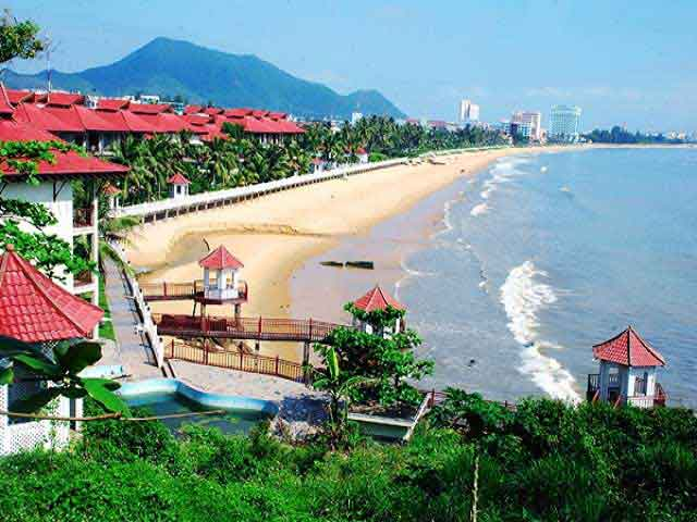 QUY NHON BEACH BREAK